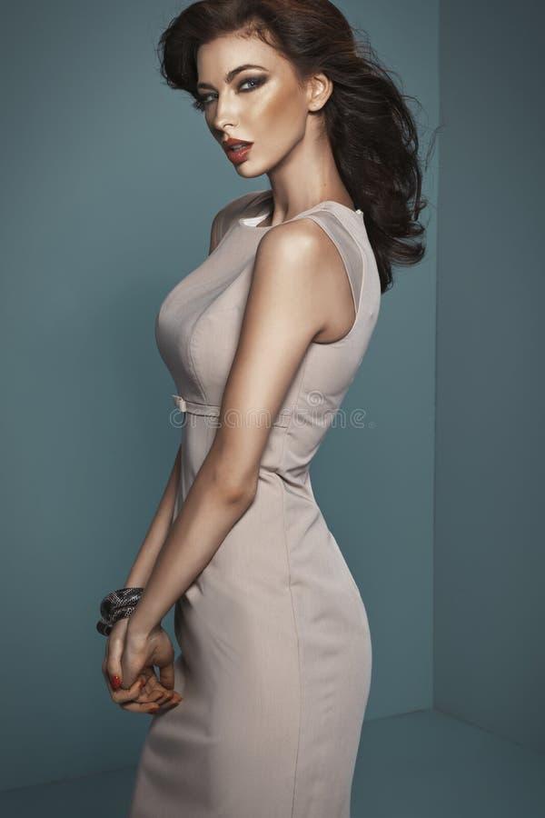 Mulher sensual com corpo realmente tentador foto de stock royalty free
