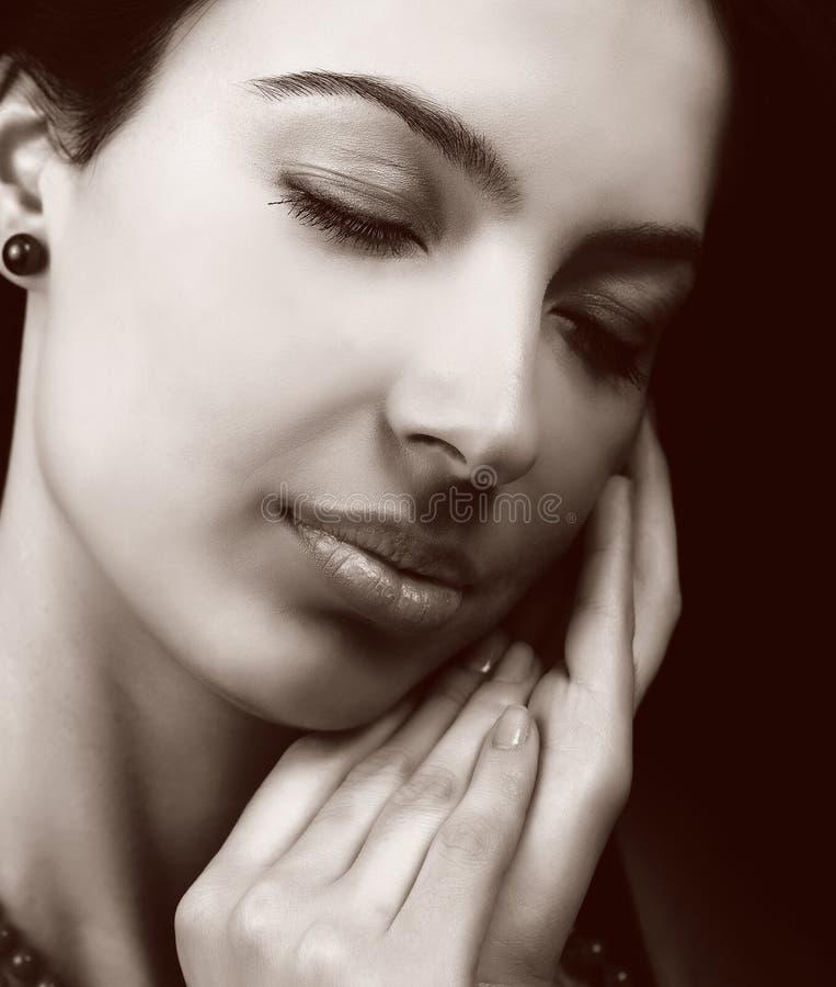 Mulher Sensual Com Pele Macia Fotografia de Stock Royalty Free