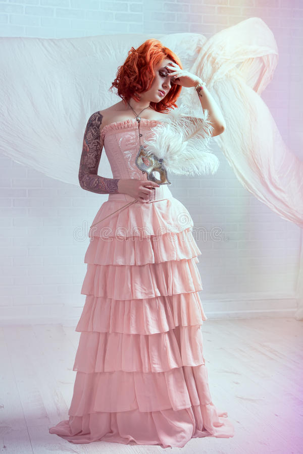 Mulher sensual do redhead foto de stock royalty free