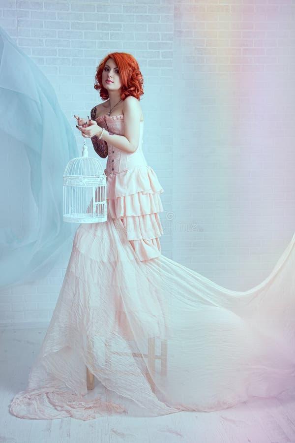 Mulher sensual do redhead fotos de stock