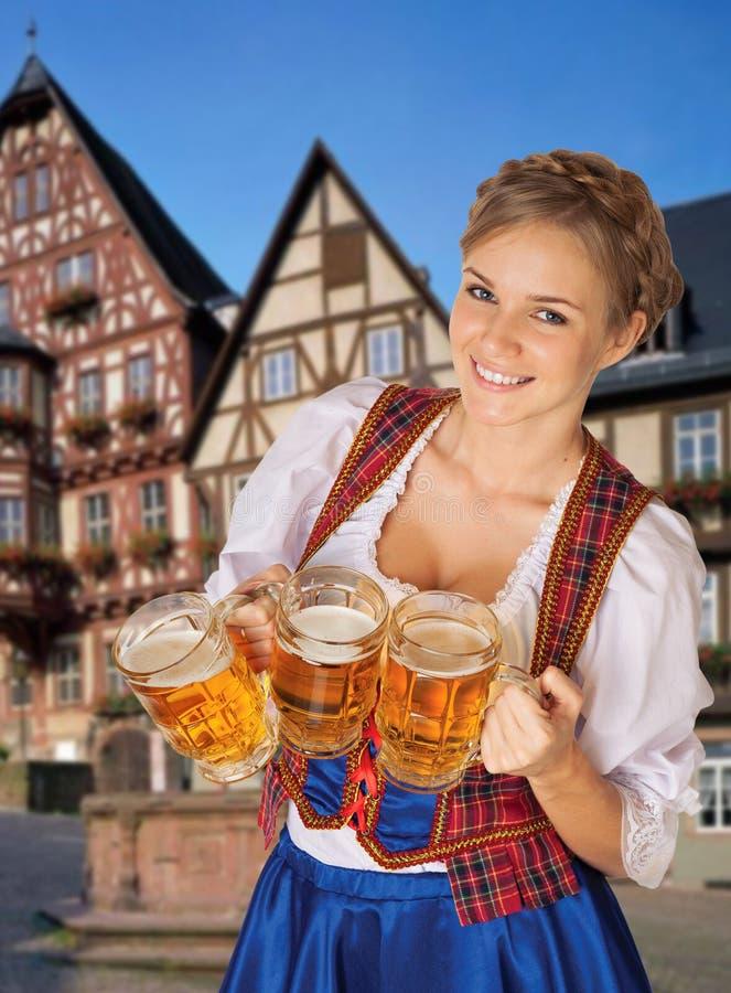 Mulher 'sexy' nova de Oktoberfest fotos de stock royalty free