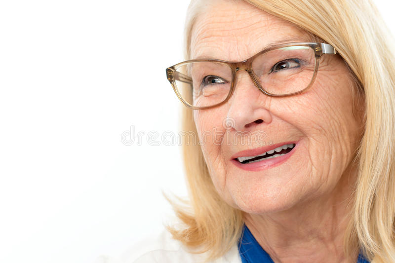Mulher superior feliz atrativa fotografia de stock