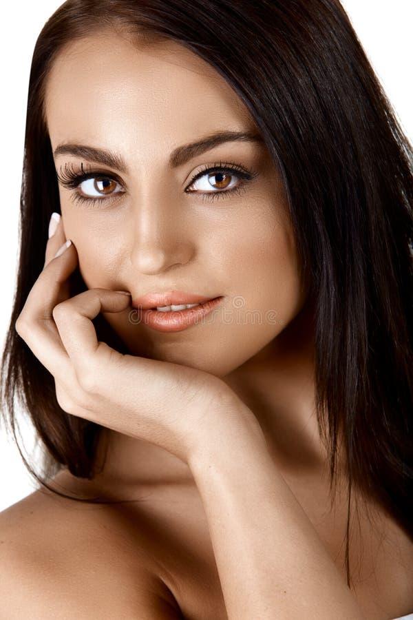 Mulher tanned bonita foto de stock royalty free