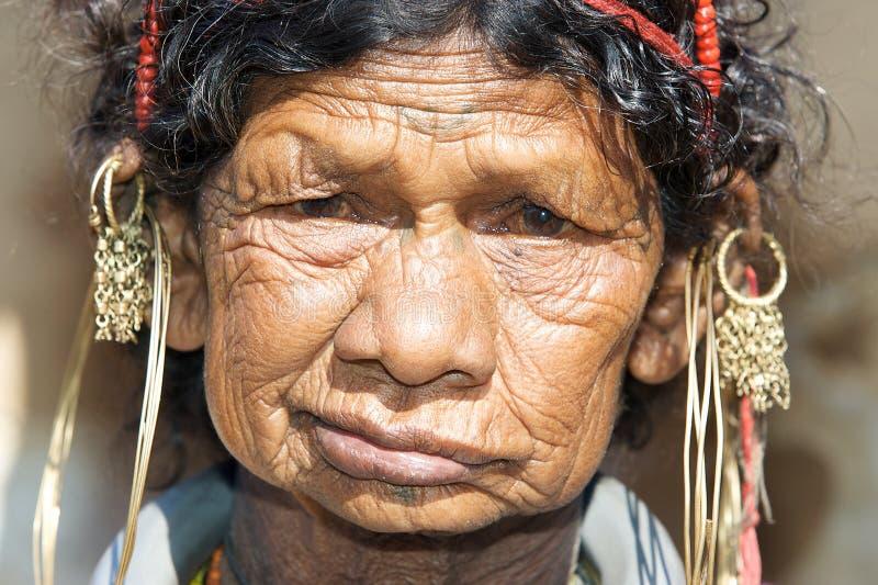 Mulher tribal idosa de Bonda foto de stock