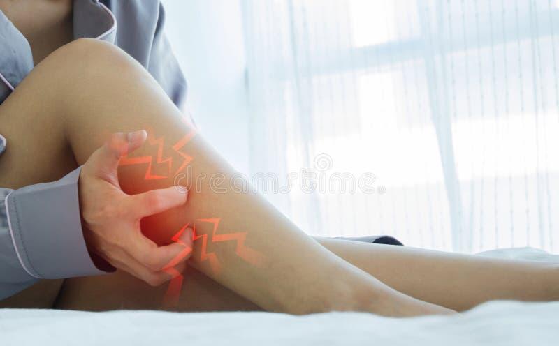 Mulheres com itching imagens de stock royalty free