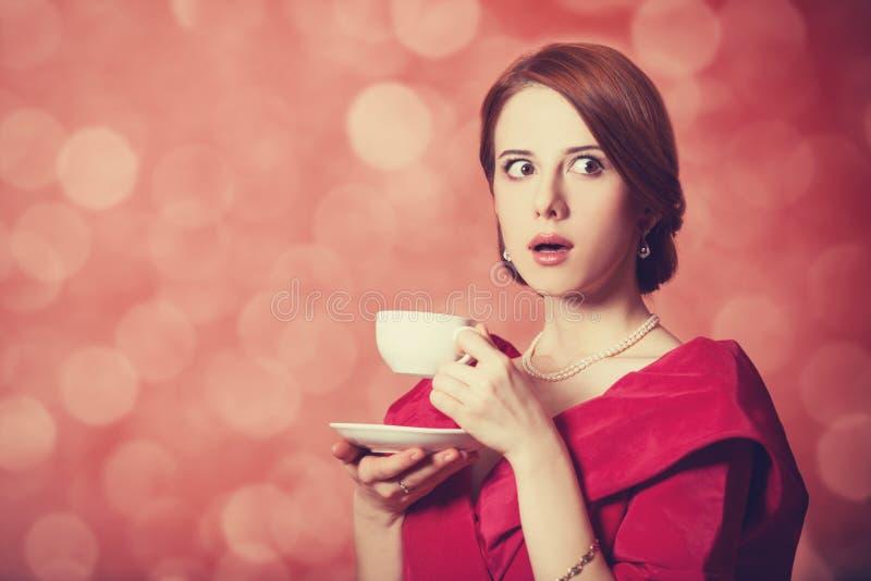 Mulheres com o copo do chá. fotos de stock royalty free