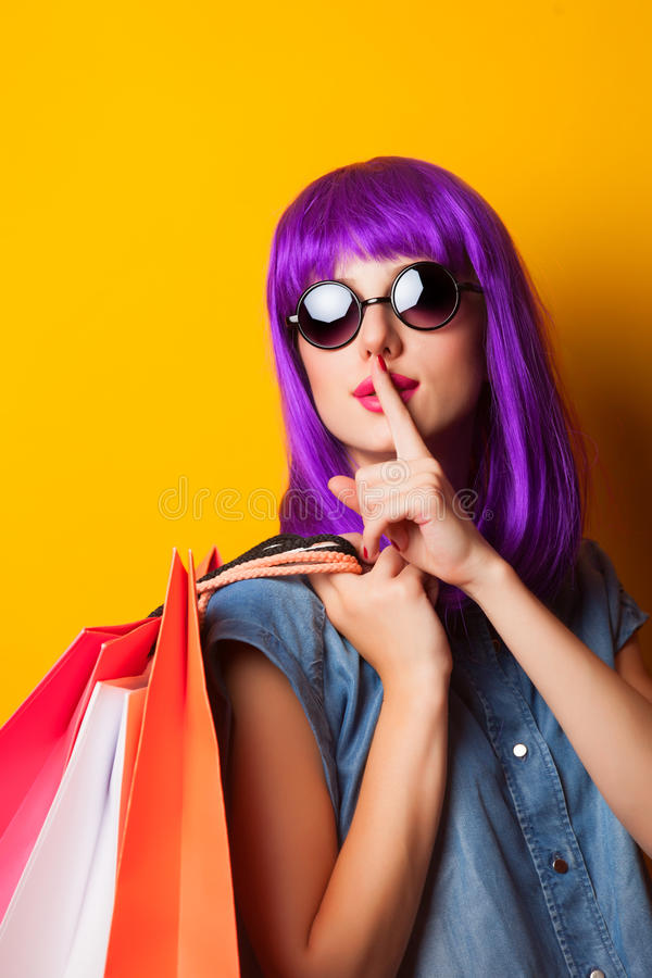 Mulheres com sacos de compras fotos de stock royalty free
