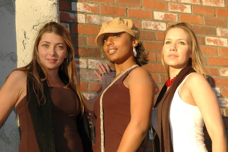 Mulheres de Flirty fotografia de stock royalty free