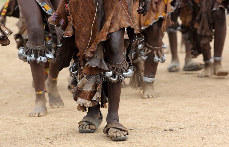Mulheres de Hamer da dança no mais baixo vale de Omo, Etiópia imagem de stock royalty free