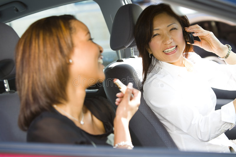 Mulheres de negócios de viagem imagens de stock