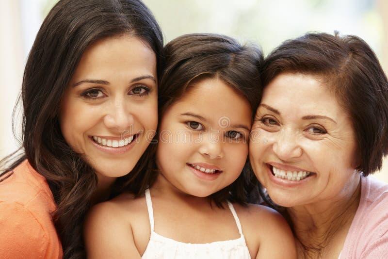 3 mulheres do hispânico das gerações foto de stock royalty free