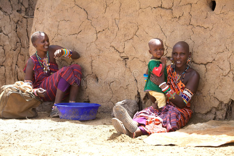 Mulheres e criança do Masai imagem de stock