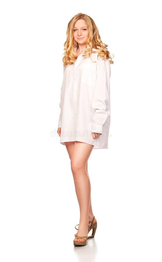 Mulheres louras na camisa branca fotografia de stock royalty free