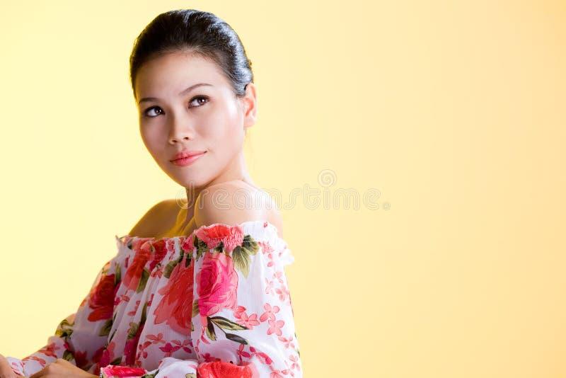 Mulheres novas asiáticas saudáveis bonitas imagens de stock
