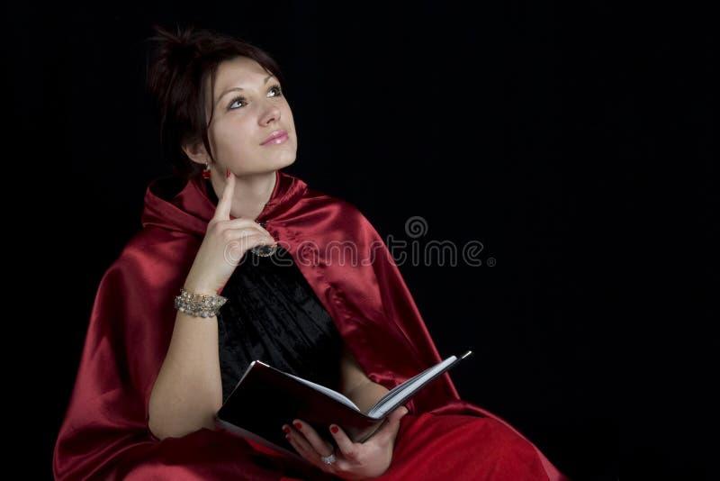 Mulheres que lêem um livro imagem de stock