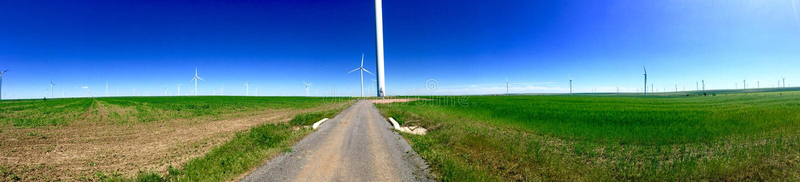 Mulini a vento ad alba fotografia stock
