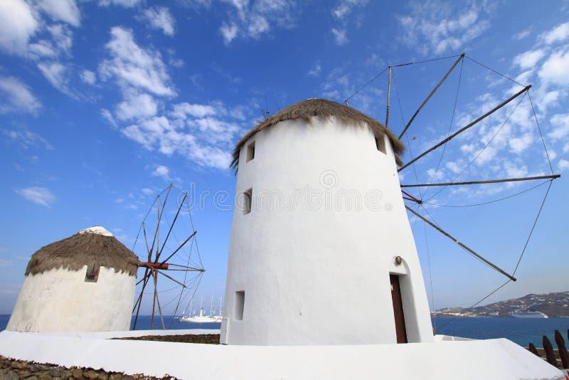 Mulini a vento dell'isola di Mykonos fotografia stock