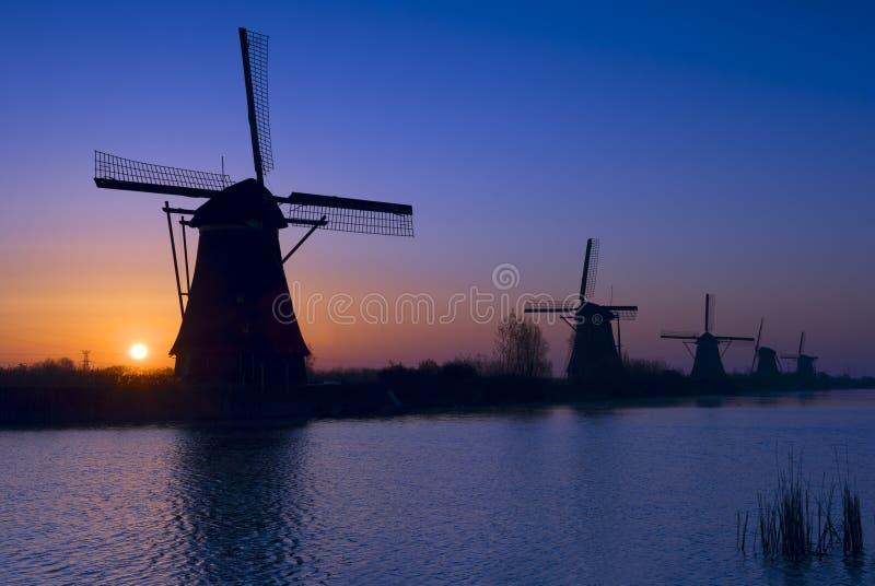 Mulini a vento di Kinderdijk, Paesi Bassi fotografie stock libere da diritti