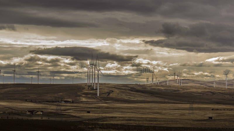 Mulini a vento e cielo fotografie stock