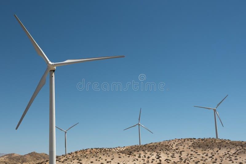 Mulini a vento - energia eolica fotografie stock libere da diritti