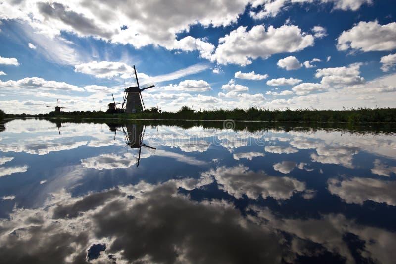 Mulini a vento a Kinderdijk immagine stock