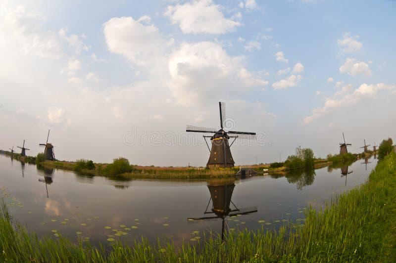 Mulini a vento in Kinderdijk, Paesi Bassi immagine stock libera da diritti