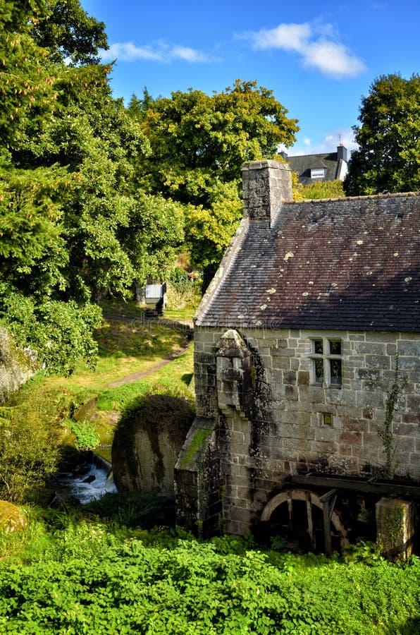 Mulino a acqua di Huelgoat, un vecchio e mulino a acqua tipico in Brittany France immagine stock