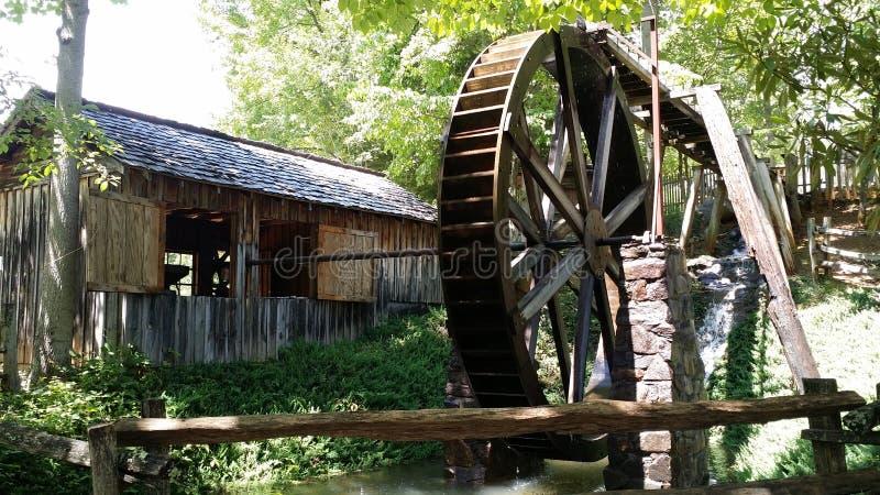 Mulino a acqua a Georgia Mountain Fairgrounds in Hiawasse Georgia fotografie stock libere da diritti