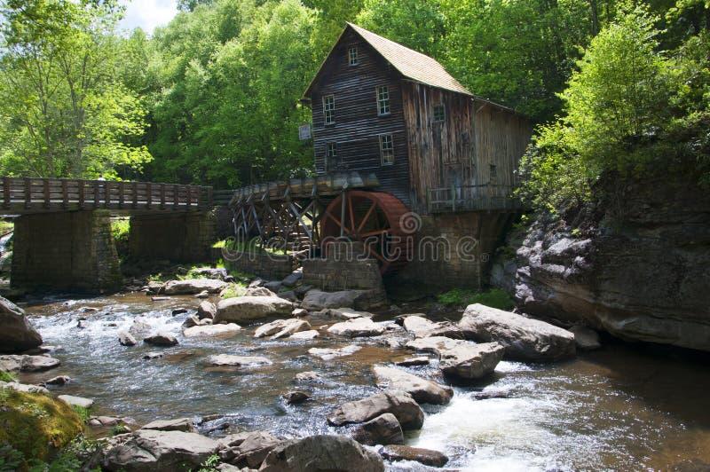 Mulino del grano da macinare dell'insenatura della radura nel Virginia Occidentale Babcock U.S.A. del parco di stato fotografia stock libera da diritti