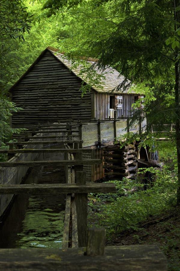 Mulino del grano da macinare in valle della baia di Cades in Tennessee Smoky Mountains fotografia stock libera da diritti