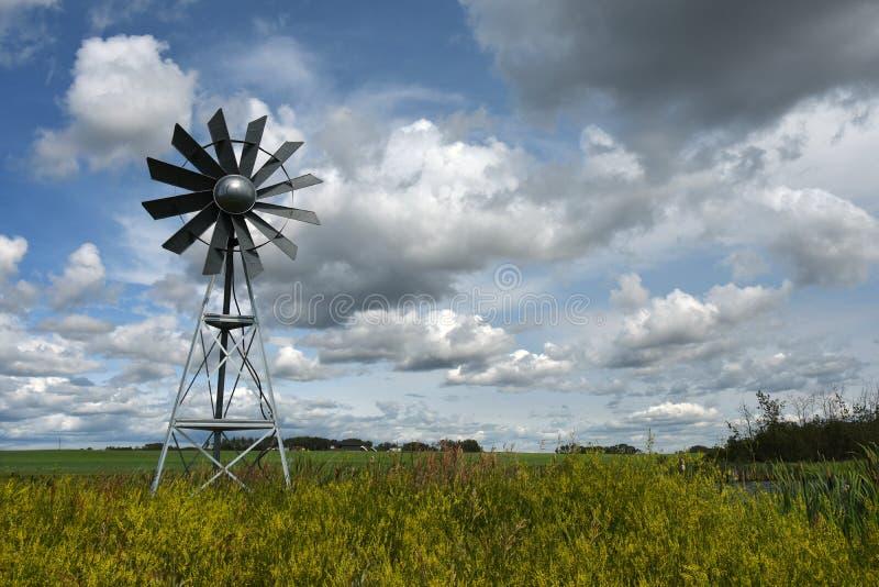 Mulino a vento agricolo fotografie stock