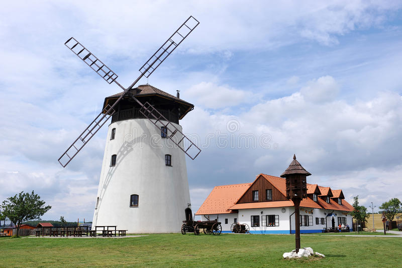 Mulino a vento Bukovany fotografie stock