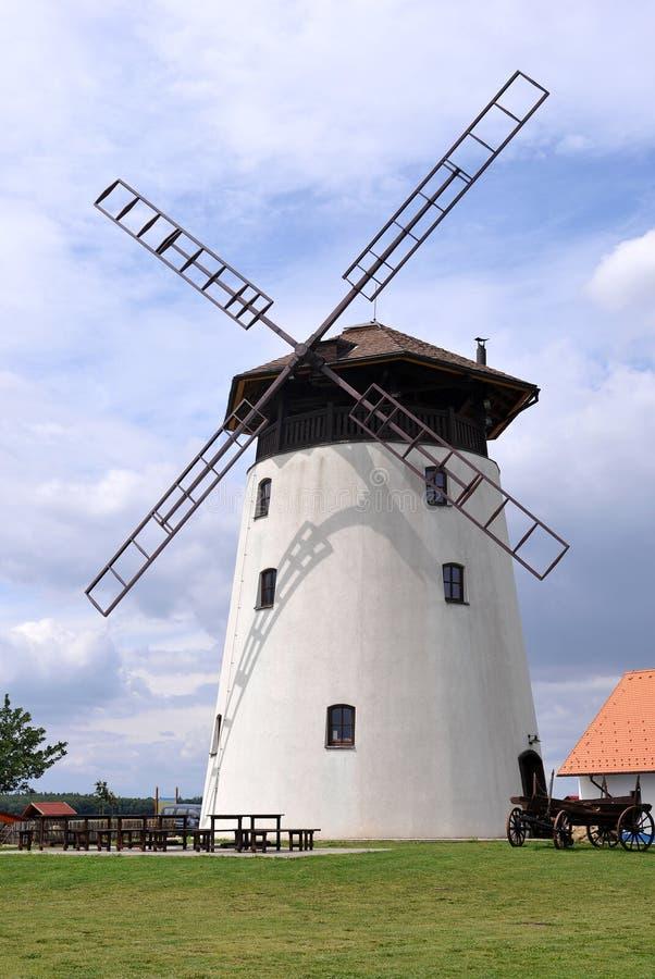 Mulino a vento Bukovany immagini stock libere da diritti