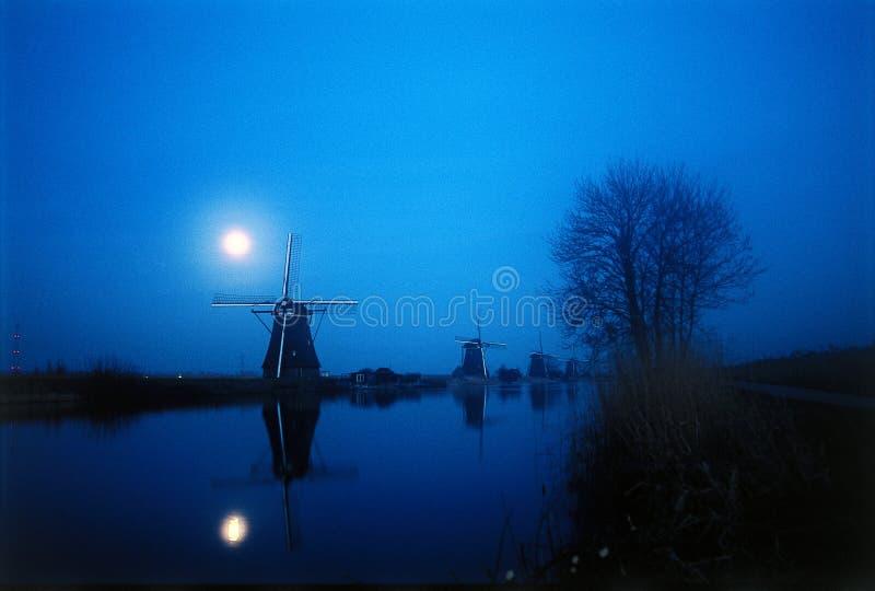 Mulino a vento dell'indicatore luminoso di luna immagini stock