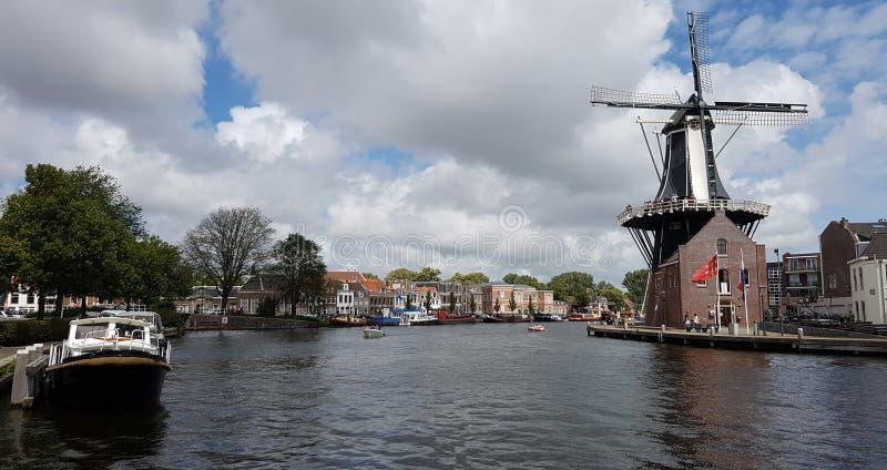 Mulino a vento di De Adriaan a Haarlem fotografia stock libera da diritti