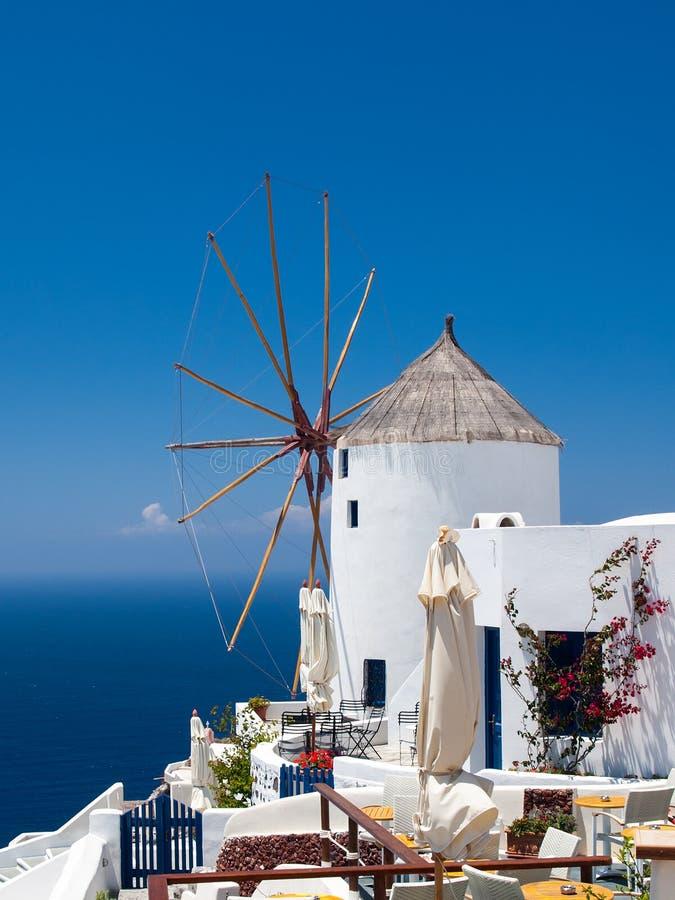 Mulino a vento di Santorini fotografia stock libera da diritti