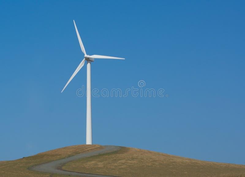 Mulino a vento generatore di forza motrice solo immagini stock