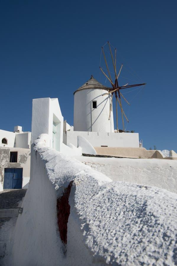 Mulino a vento in Ia, Santorini, Grecia immagini stock libere da diritti