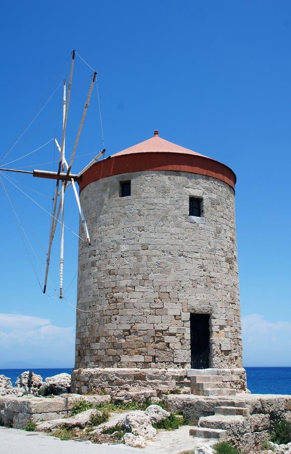 Mulino a vento medievale, Rodi fotografia stock