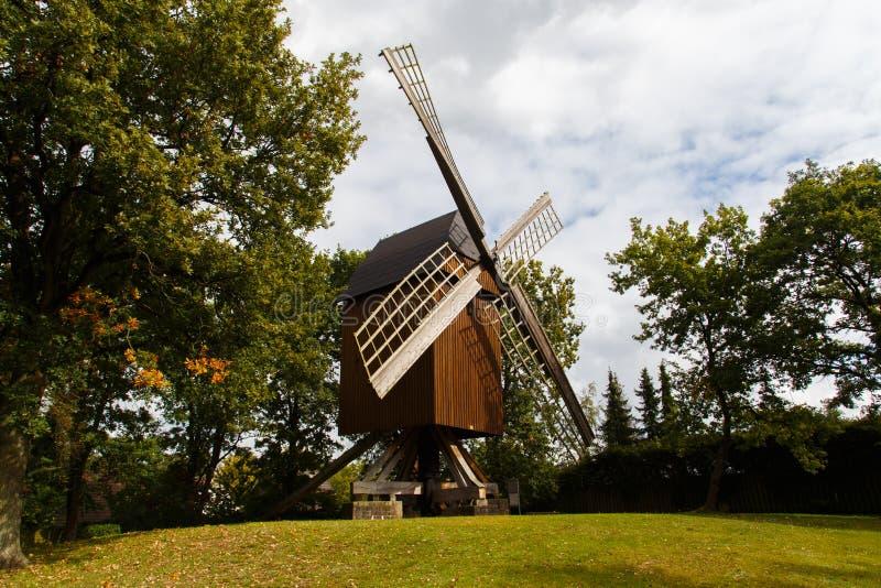 Mulino a vento tedesco tradizionale immagini stock libere da diritti