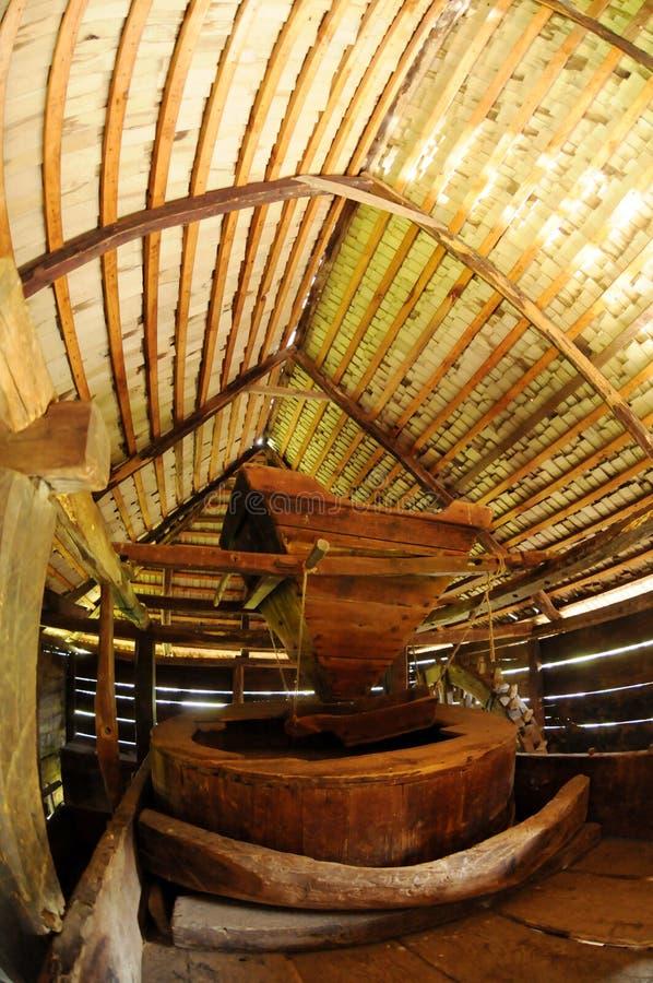 Mulino a vento tradizionale interno fotografia stock