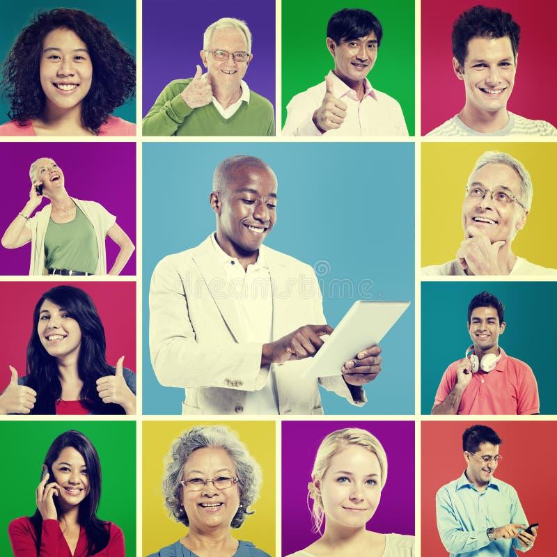 Multi концепция цифровой связи людей этнической группы стоковое изображение