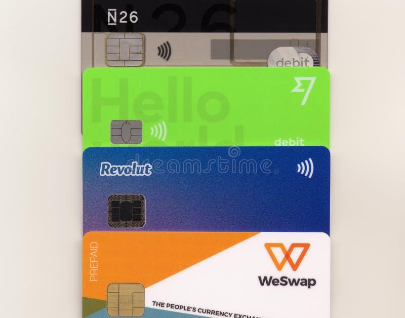Multi cartão do curso da moeda em Londres fotos de stock