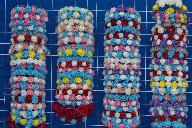 Multi-colored polymeer de klei nam armbanden toe royalty-vrije stock fotografie