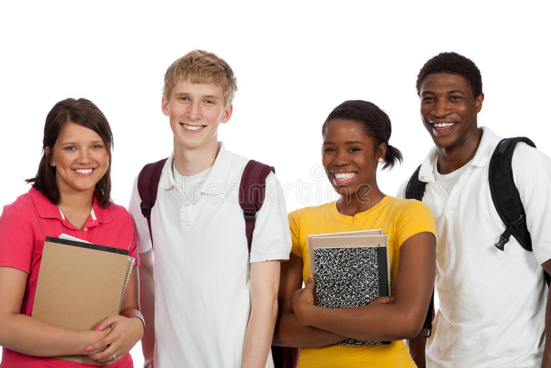 Multi-etnische studenten/vrienden met rugzakken en boeken o stock foto's