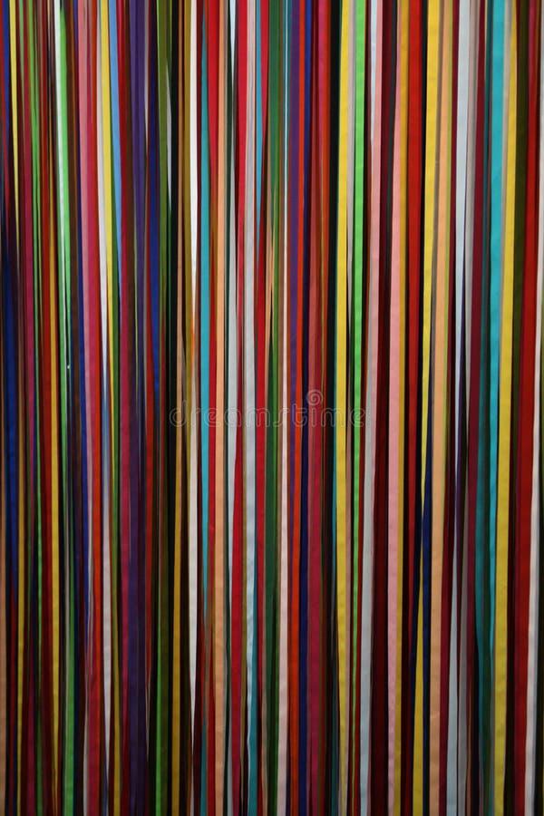 Multi farbige Stücke Gewebe in der Stadt von Helsinki, Finnland lizenzfreie stockfotos