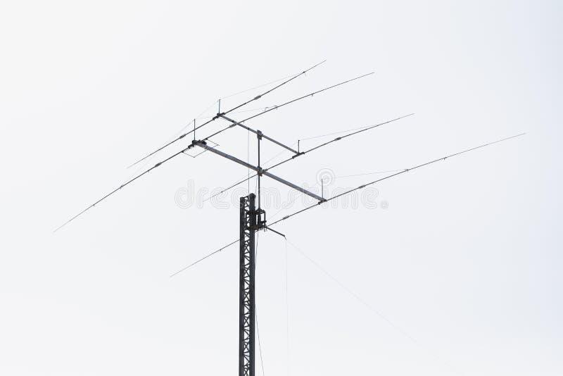 Multi Frequenz Yagiantenne, weißer Hintergrund stockbild