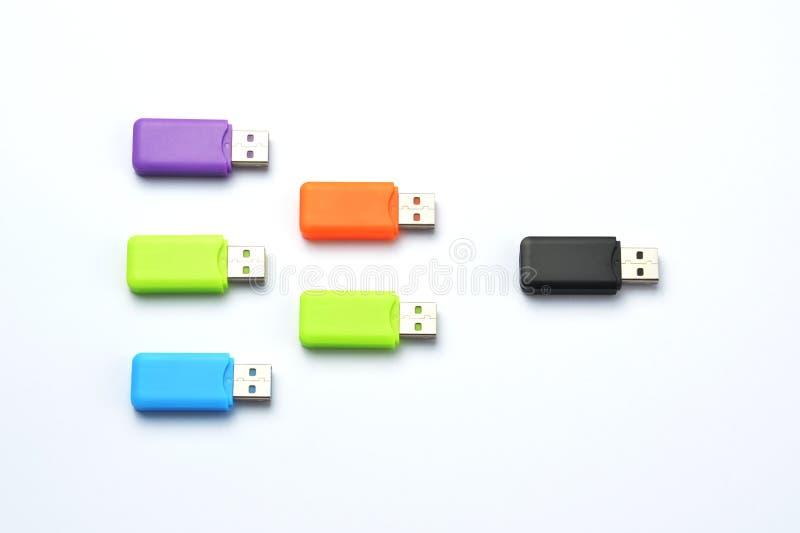 Multi gekleurde USB-stokken royalty-vrije stock fotografie
