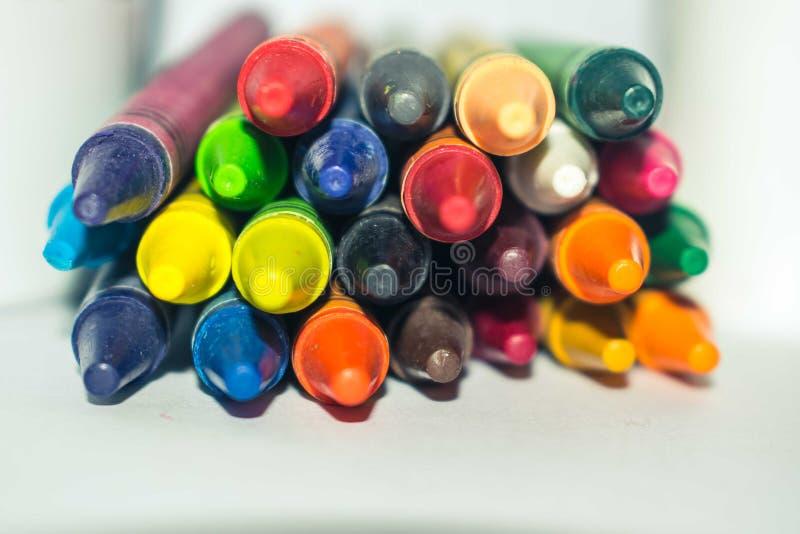 Multi pastel empilhado do paster da cor isolado no fundo branco foto de stock royalty free