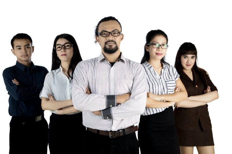 Multi persone di affari etniche con il capo maschio fotografia stock